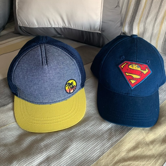 NWT ~ Old Navy Toddler Boys Kids Superman Logo Blue Knit Winter Cap Hat Beanie